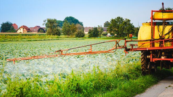 To av tre prøver av dansk grunnvann er forurenset med sprøytemidler