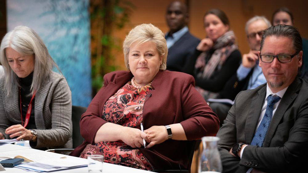 Statsminister Erna Solberg varsler i dag at hun legger kraftskatteutvalgets forslag i skuffen. 171 ordførere har protestert mot forslagene, som innebærer å ta kraftinntekter fra kommunene og i stedet sluse mer inn til staten.