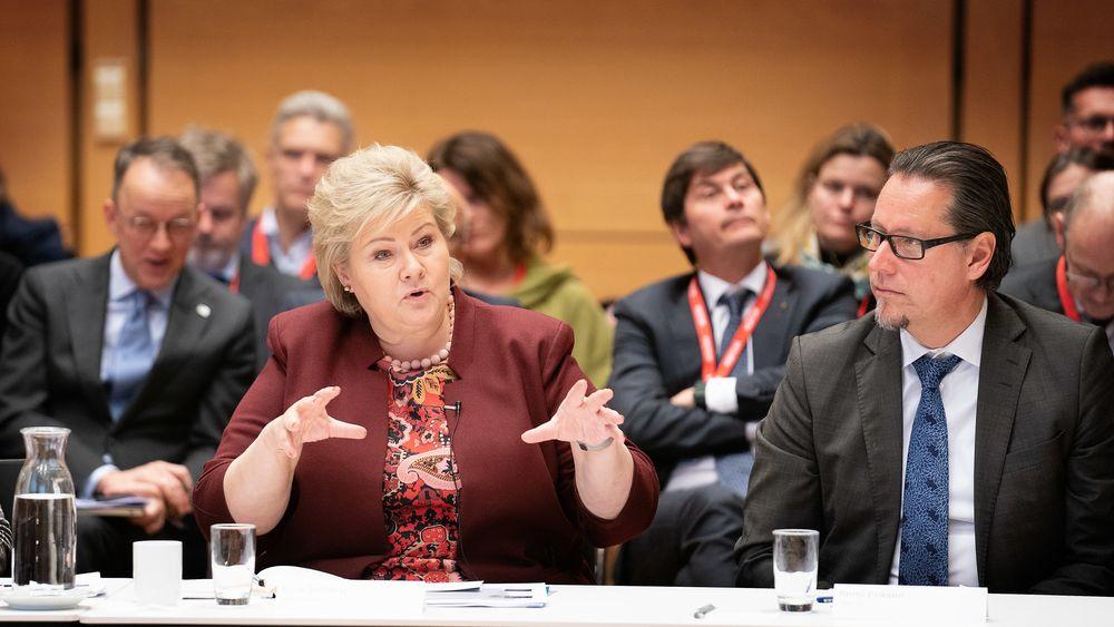 Statsminister Erna Solberg og Konsernsjef Remi Eriksen i DNV GL.