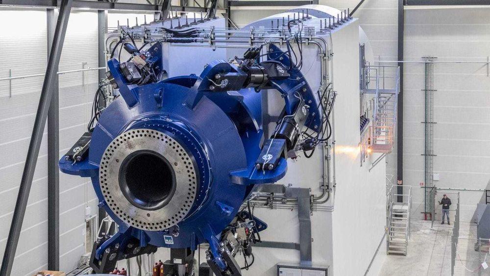 Denne testriggen kan teste turbiner på 10 MW. Nå bygger danskene en testrigg for turbiner på over 20 MW.
