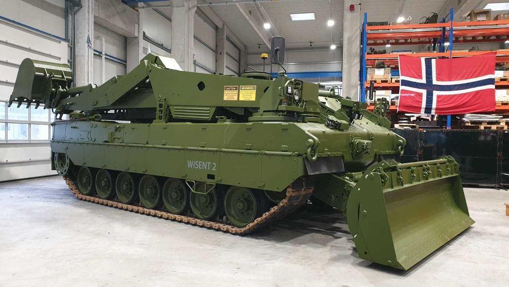 Den første norske Wisent 2 ingeniørpanservogna hos Flensburger Fahrzeugbau Gesellschaft (FFG) i Tyskland.