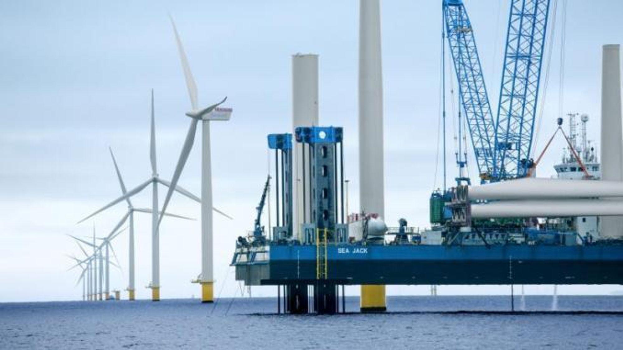 Den danske energiprodusenten Ørsted vil satse på produksjon av hydrogen ved hjelp av vindmøllestrøm.