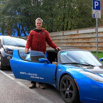 Hansjürgen Gemmingen har kjørt flere ganger til Nordkapp med Teslaene sine. Her er han fotografert i Oslo i 2017.