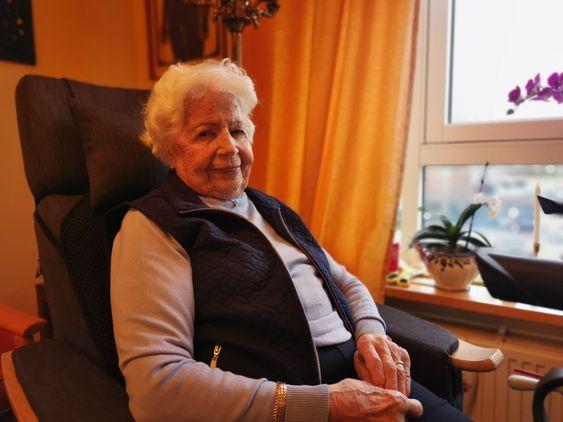 MYE VONDT: – Det kunne gått veldig galt, og jeg gremmes over at rullestolbrukeren bare kjørte videre, sier Liv Wiborg.