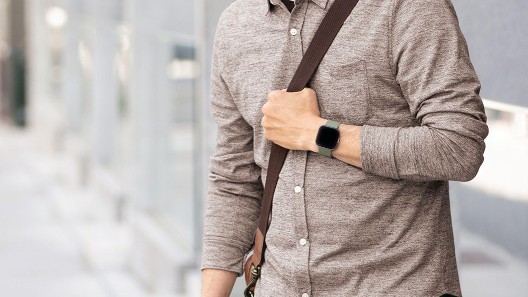 I dag kan du få hjelp med juleflesket: i julekalenderen kan du vinne en Fitbit klokke og smartvekt