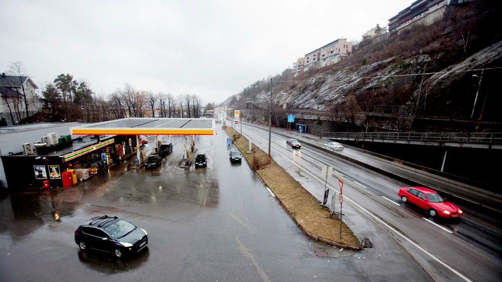 Tilbydere av drivstoff må fra nyttår selge 20 prosent biodrivstoff, mot 12 prosent i dag.