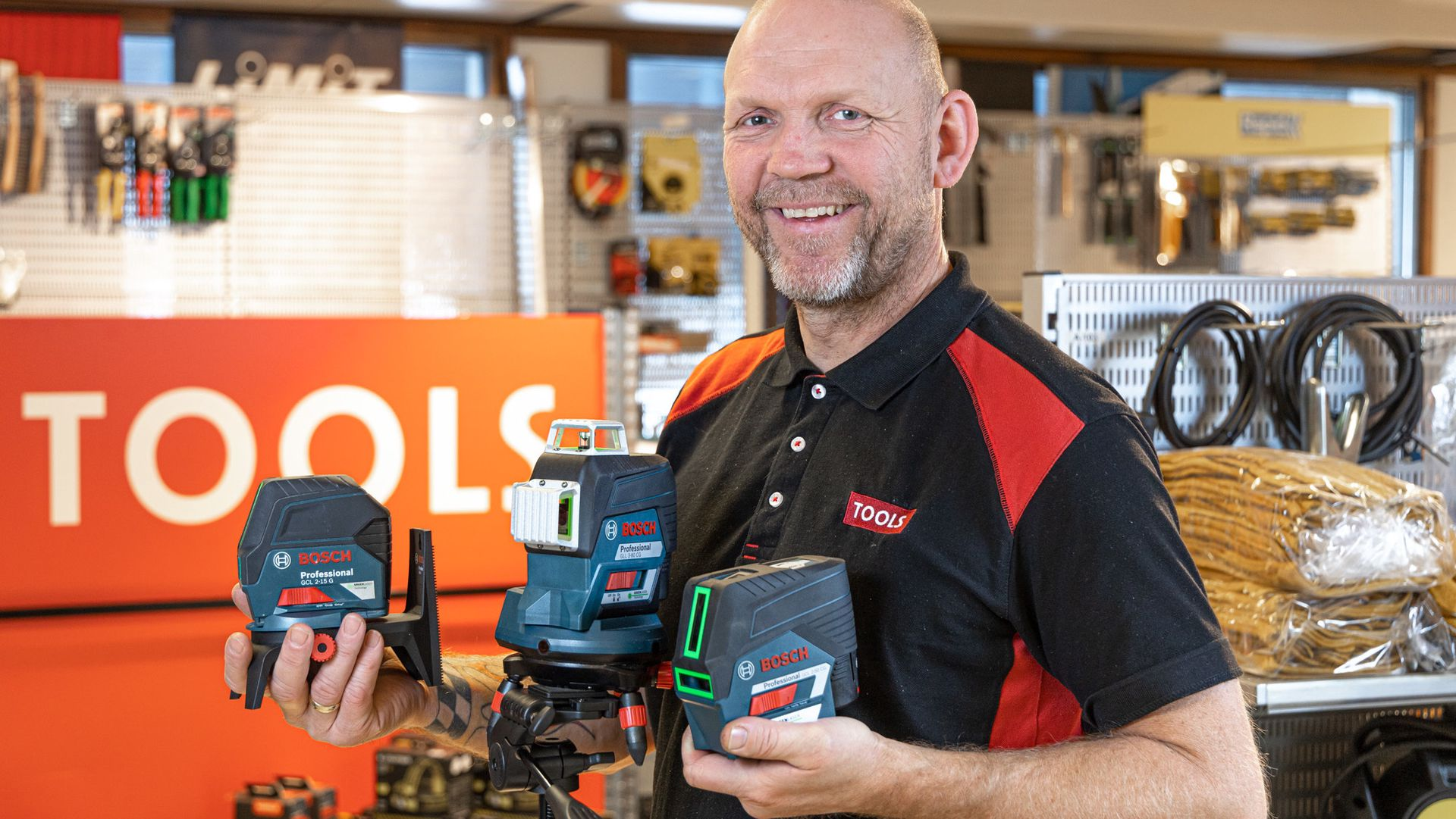 Ståle Henriksen hos TOOLS i Askim hjelper deg gjerne med å velge måleverktøy.