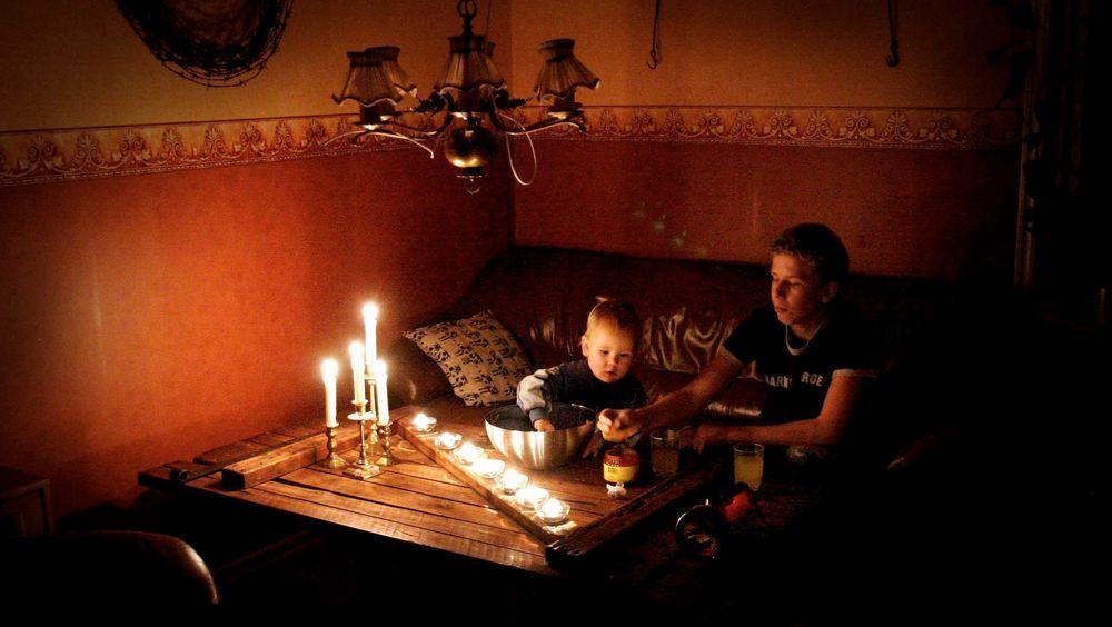 62 prosent av alle strømkunder i Norge opplevde i fjor minst ett strømavbrudd på mer enn tre minutter. Er strømmen borte mer enn 12 timer har du rett på økonomisk kompensasjon.