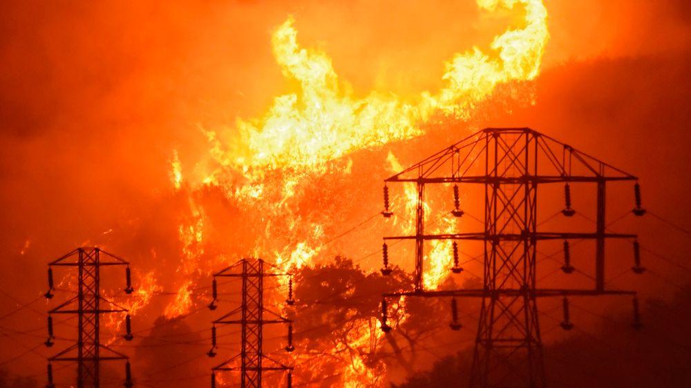 Energileverandøren PG&E har inngått et forlik på 13,5 milliarder dollar til ofrene etter skogbranner som herjet i California i årene fra 2015 til 1018, opplyser selskapet fredag.