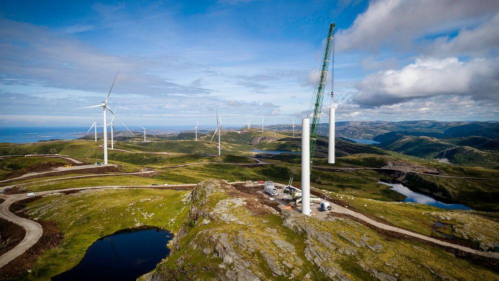 Fosen vindpark blir Norges desidert største. Regner man sammen all vindkraft som er bygget ut og besluttet bygget, kommer 40 prosent av norsk vindkraft i samme nettområde (NO3) i Midt-Norge.
