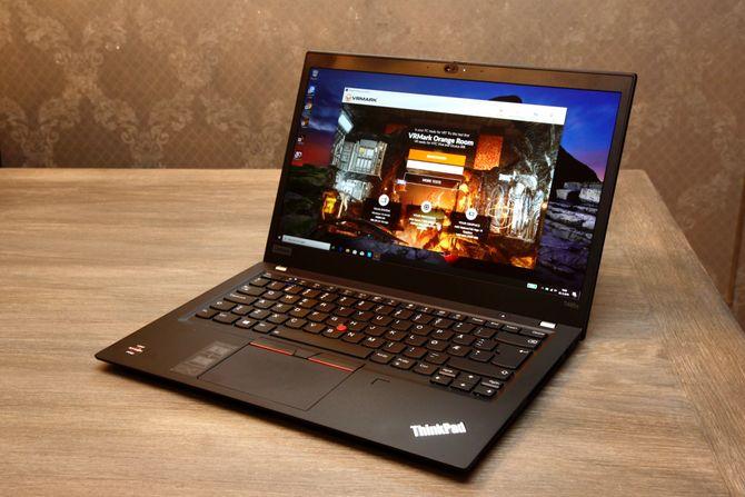 Lenovo Thinkpad T495s.