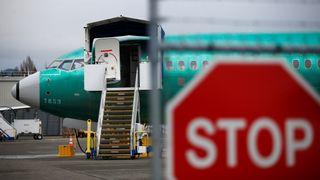Boeing innstiller produksjonen av MAX-flyene