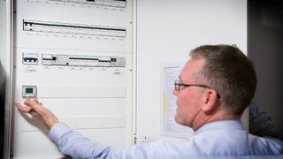 Nå blir det dyrere å bruke mye strøm samtidig: Innfører ny nettleie fra nyttår