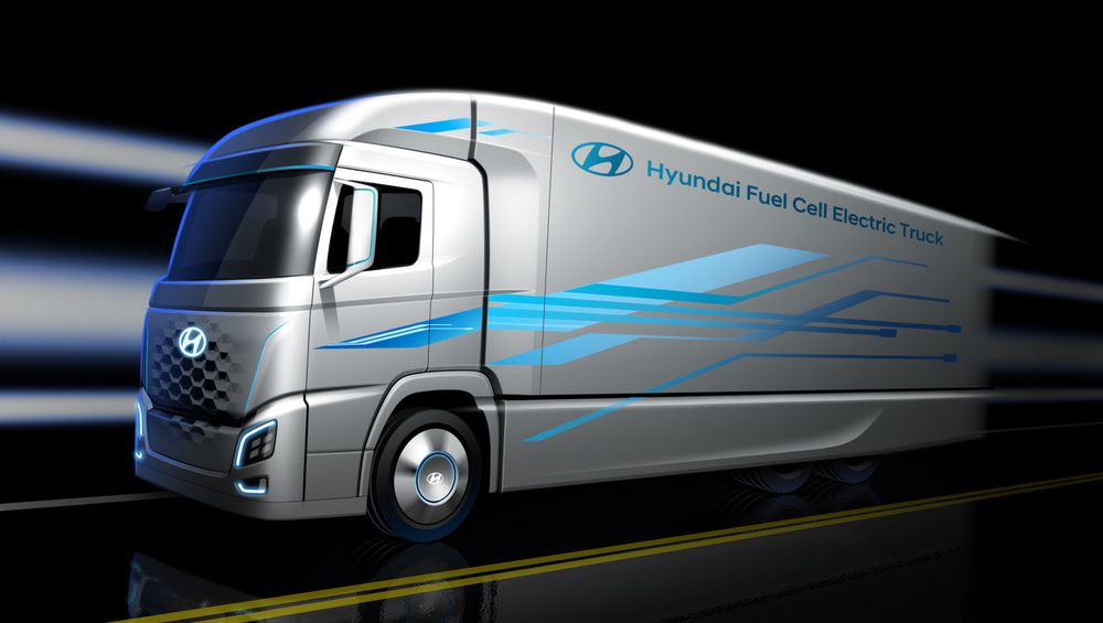 Hyundai XCient Fuel Cell hydrogenlastebil har et 190kW-brenselcellesystem og åtte lagringstanker for hydrogen, plassert mellom førerhuset og resten av lastebilen.
