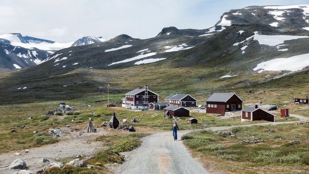 På denne veien til Glitterheim kan det bli tillatt å sykle med elsykkel. Det har Fylkesmannen i Innlandet foreslått overfor Miljødirektoratet. Foto: Gorm Kallestad / NTB scanpix