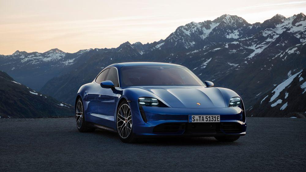 Porsche Taycan blir en av modellene som skal kunne lade på Porsches kommende ladenettverk.