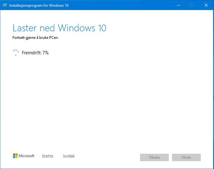 Oppgraderingen til Windows 10 kan ta lang tid. I den første delen av perioden kan PC-en fortsatt benyttes til andre oppgaver.