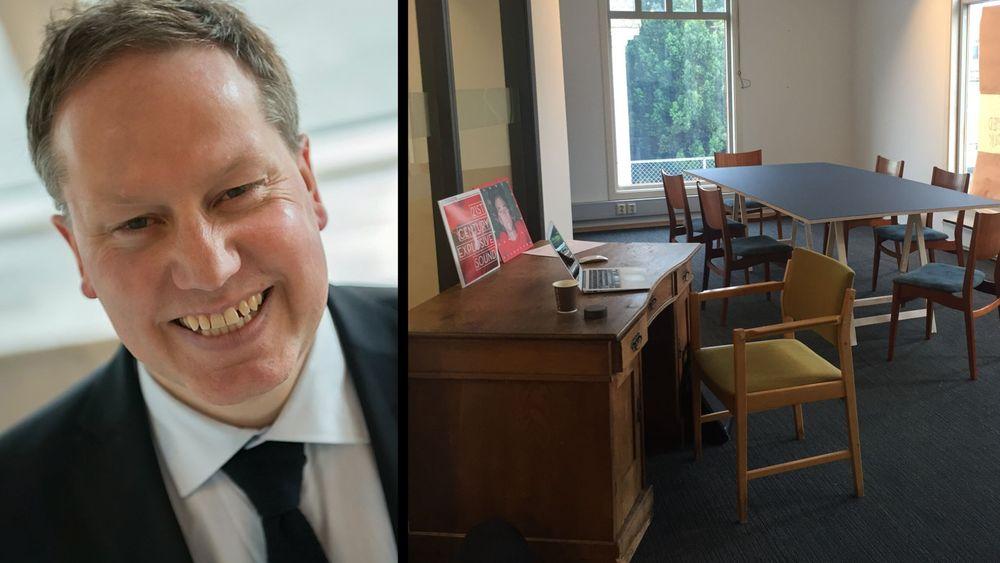 Roar Smelhus er glad i vintage-møbler og fyller gjerne coworking-lokalene sine med funn fra bruktmarkedet.