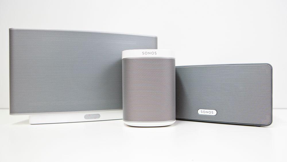 Strømmehøyttalerprodusenten Sonos får sterk kritikk for å ha bedt kundene gjøre fullt brukbare høyttalere ubrukelige for å få rabatt på nytt utstyr.