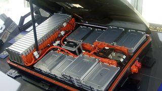 Kasserte elbil-batterier er svært brannfarlige: - Det kan bli ganske voldsomt