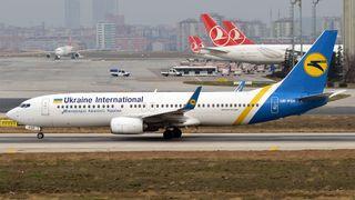 Ukrainske myndigheter trekker melding om motorfeil:Alle om bord omkom da et Boeing 737 styrtet like etter avgang i Iran