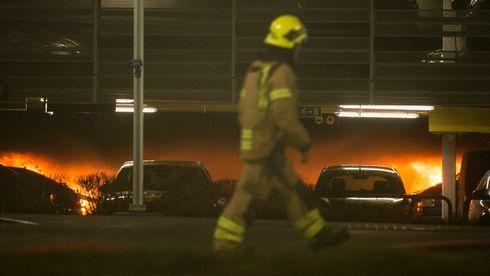 Storbranne på Sola har gjort at debatten om elbilens brannsikkerhet har blusset opp igjen.