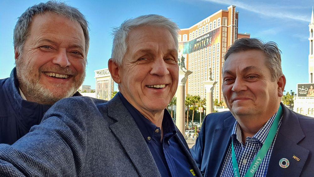 Oppdaterte og slitne: Fra venstre; Jan Moberg og Odd Richard Valmot i Teknisk Ukeblad Media og Trond Markussen, president i NITO og styreformann i Teknisk Ukeblad Media