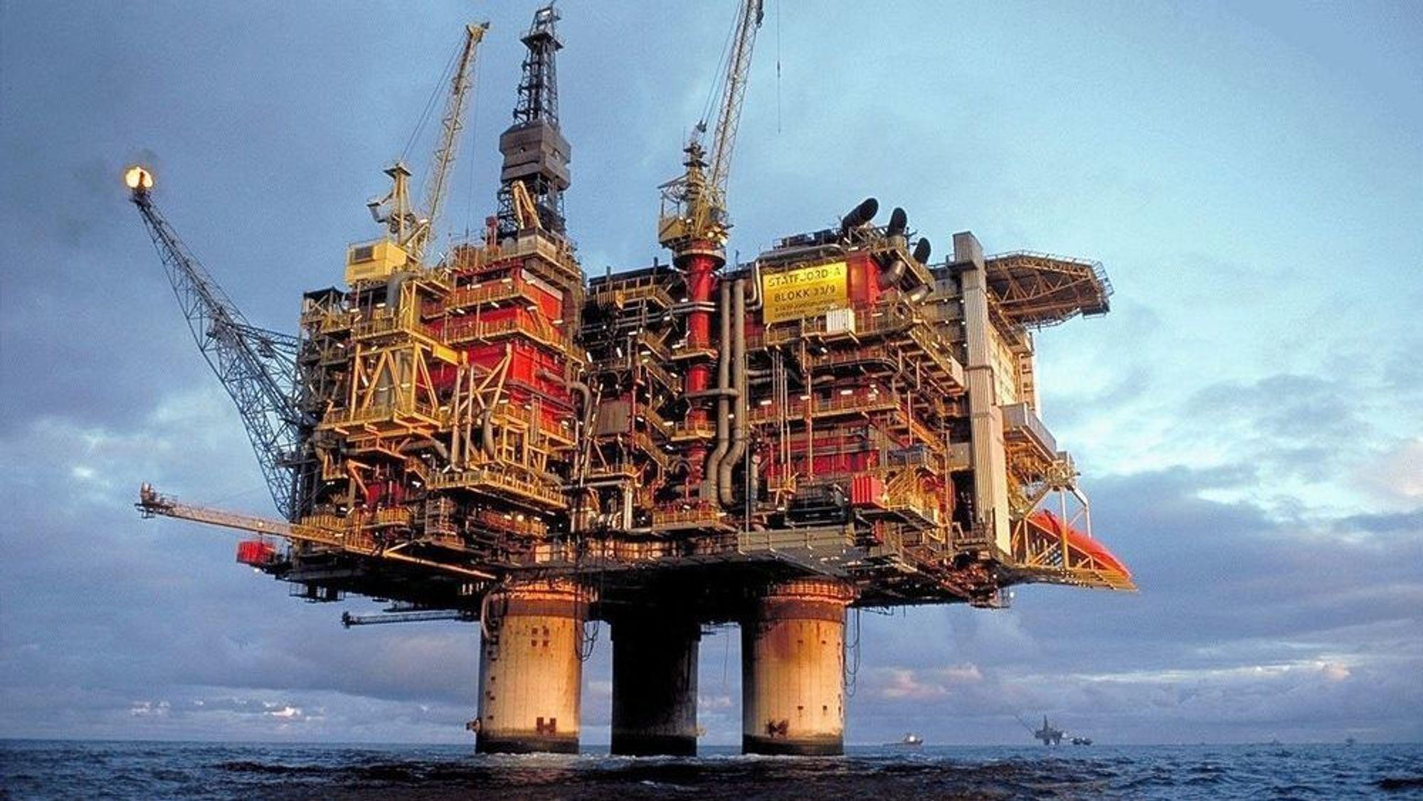 Equinor skroter planene om å stenge Statfjord A i 2022 og forlenger produksjonen til 2027.
