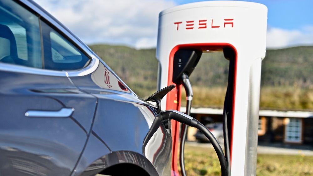 Tesla er den største ladeoperatøren i Norge, ifølge statistikken.