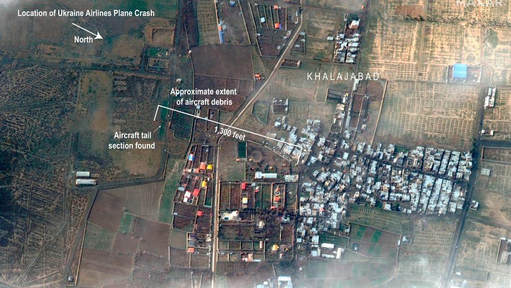 Satellittfoto fra Maxar Technologies som viser havaristedet der Boeing 737-flyet fra UIA styrtet onsdag.