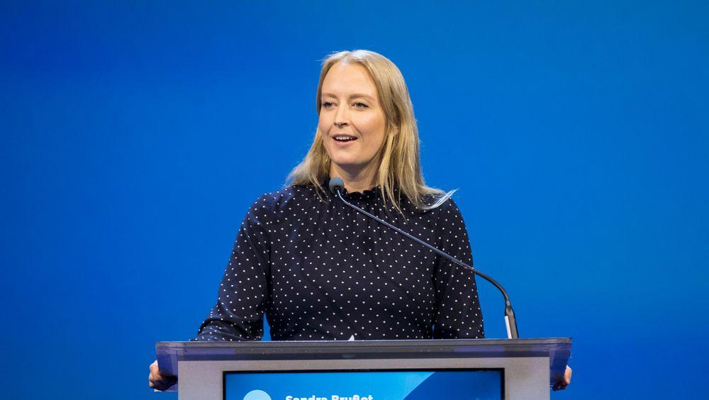Unge Høyre-leder Sandra Bruflot etterlyser klarere satsing på vindkraft i Norge