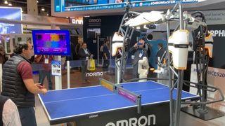 Hårvekstlys, elmotorsykler og bordtennisrobot. Se videoen fra CES 2020