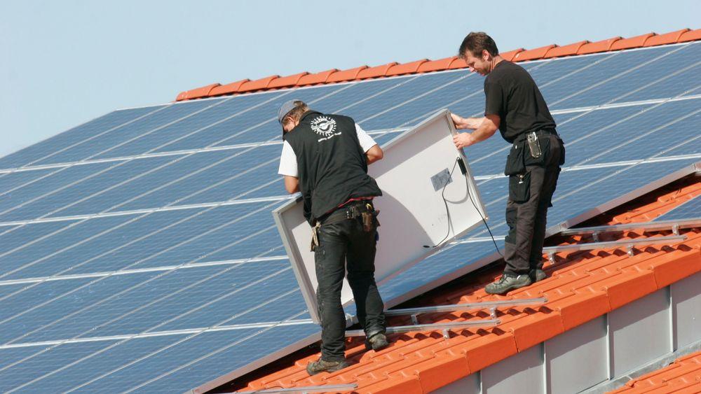 Norge henger etter Europa på solceller. Nå foreslår Norsk Solenergiforening og Solenergiklyngen flere nye støtteordninger for solenergi i Norge.