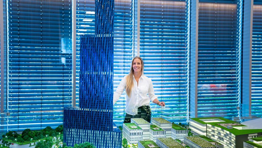 – Vi vil ikke bygge huset 250 meter høyt. Vi vil opprettholde kvadratmeterplanene på 60-80.000 kvadratmeter, men ikke bygge så høyt som planlagt. Bygget vil ha en annen utforming enn en skyskraper, sier Nina Jensen i REV Ocean.