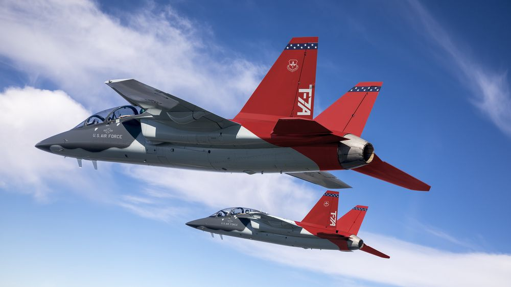 Så langt er det bygget to T-7A testfly. Nå er byggingen av de øvrige nærmere 500 flyene igang.