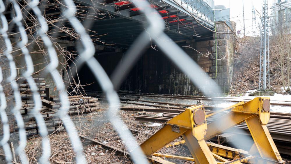 To ungdommer ble skadet og en omkom da de tok seg inn i denne tunnelen på Filipstad i februar i fjor.