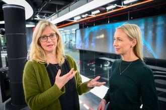 Nyhetsredaktør Karianne Solbrække og programleder Linn Wiik i TV 2.