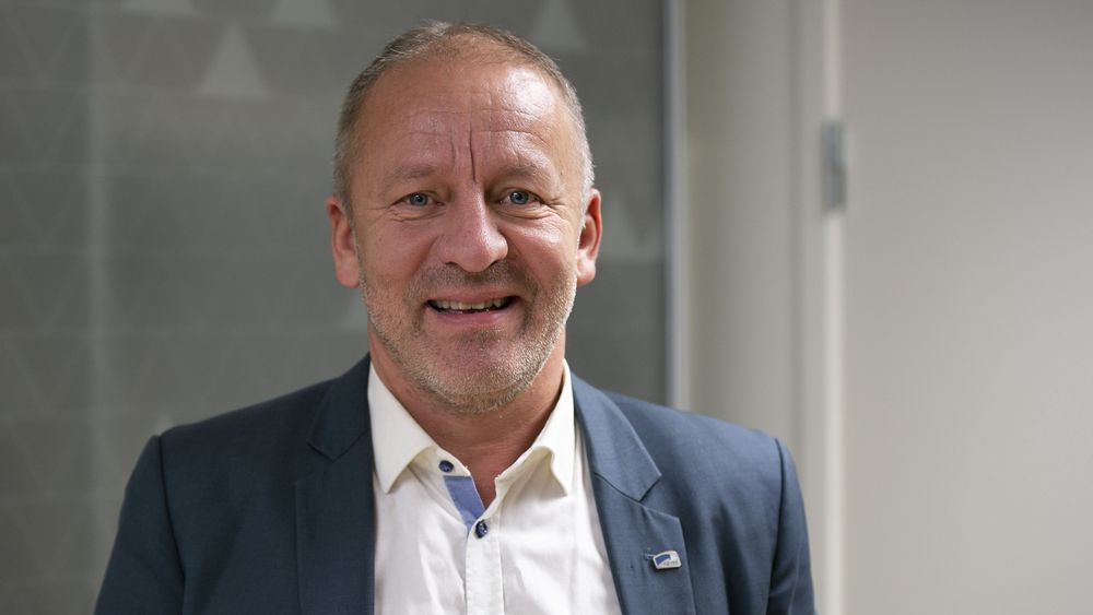 Statssektretær Geir-Inge Sivertsen startet på ingeniørhøyskolen i Narvik i 1986. Deretter gikk han bygg og anlegg på NTH (nå NTNU) i Trondheim og ble sivilingeniør.