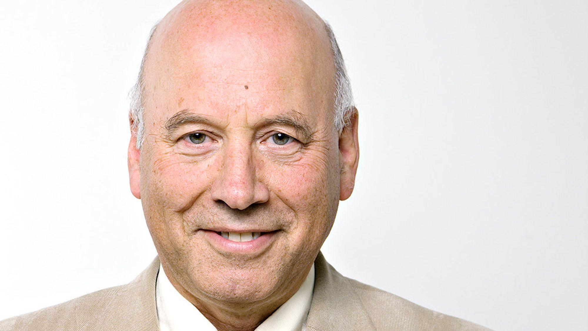 Are Holen er både psykolog og psykiater, og professor emeritus ved Institutt for psykisk helse ved NTNU.
