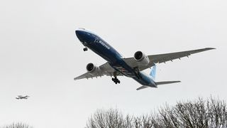 Endelig noe å glede seg over for Boeing: Nye 777X har fløyet for første gang