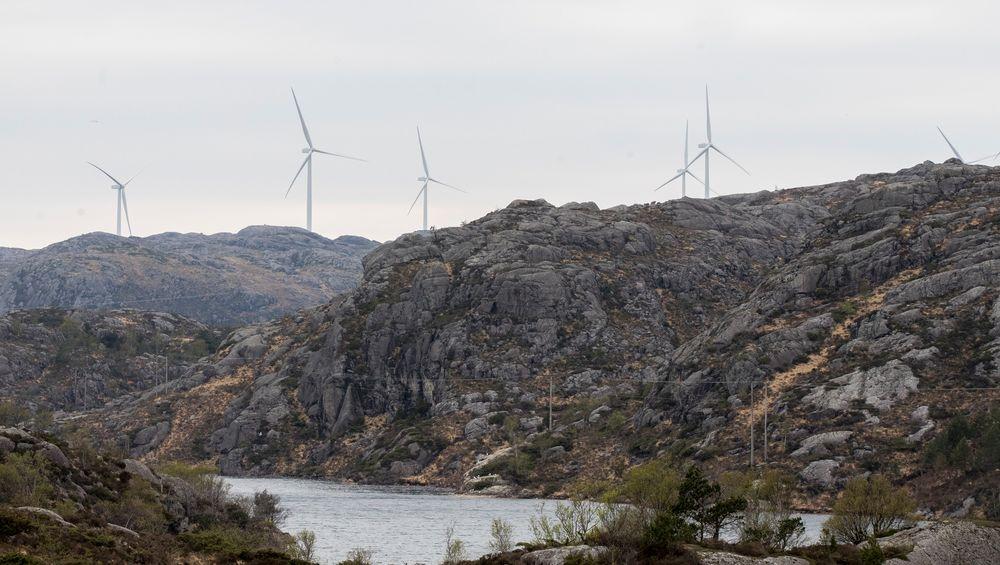 Folk i bygda Berle i Bremanger får ikke sett på fjernsyn på grunn av en ny vindpark. Her ses vindturbiner i Eigersund kommune i Rogaland.