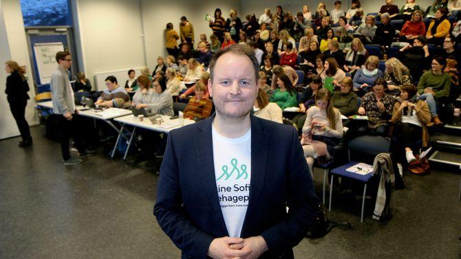 Erik S. Olsavik er prosjektleder for Barnehagepakka, kursopplegget de barnehageansatte skal gjennom.