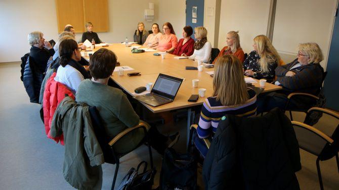 STÅR SAMMEN: Representanter fra nesten samtlige private barnehager i Porsgrunn var tidligere i januar samlet for å se på strategien videre.