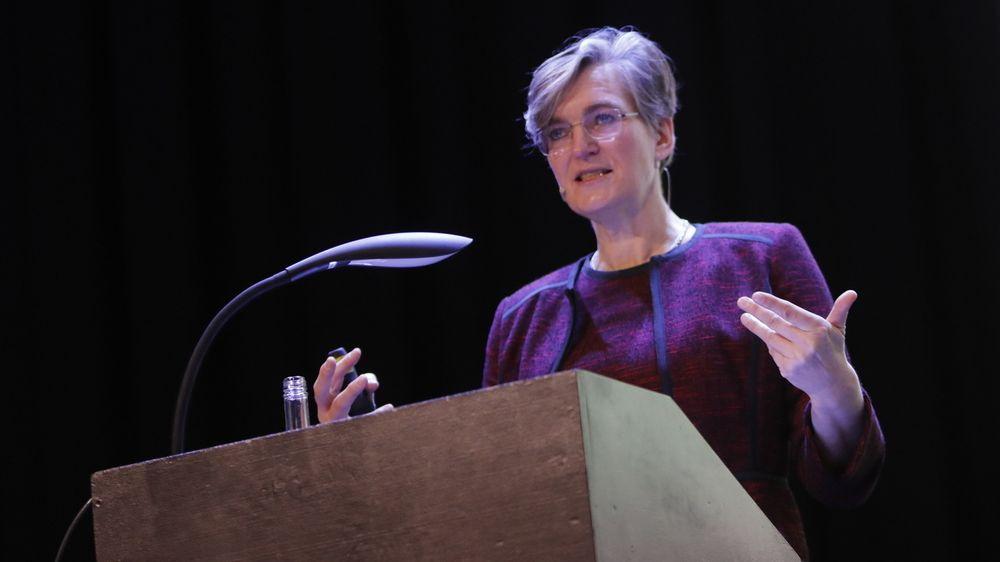 Miljødirektør Ellen Hambro er en av de som står bak rapporten Klimakur 2030, som ble presentert fredag. Klimakur 2030 er en utredning av ulike tiltak og virkemidler som skal kutte Norges utslipp av klimagasser de neste ti årene.