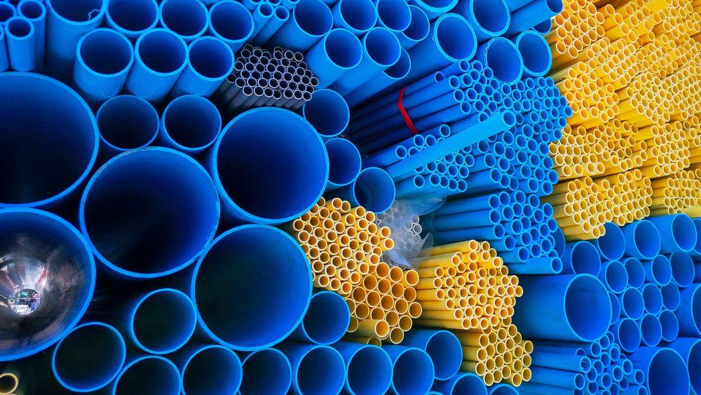 Det er ikke få kilometer PVC-rør i norske bygg. Nå vil Miljøbevegelsen Zero og Futurebuilt ha dem, og andre plastprodukter, produsert med plantebaserte råstoffer.