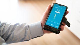 Det kan bli dyrere å bruke mye strøm på en gang. Trenger vi egentlig ny nettleie?