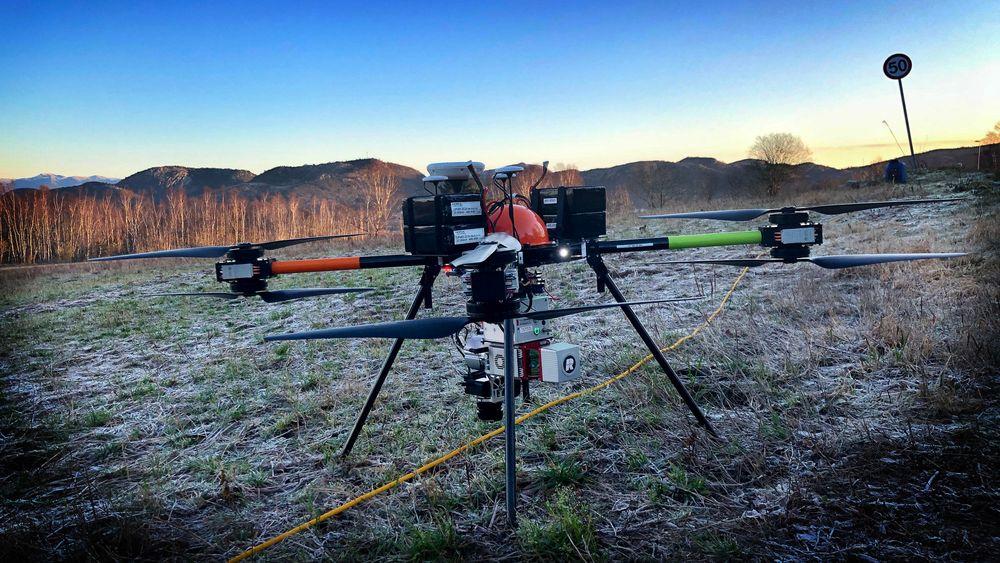 LASERDRONE: Dronen Staaker BG200 fra Nordic Unmanned er utstyrt med en 6 kilos laserscanner.