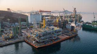 Færre oljeprosjekter blir dyrere enn planlagt: Og det er ikke nødvendigvis Asia-byggene som får overskridelser