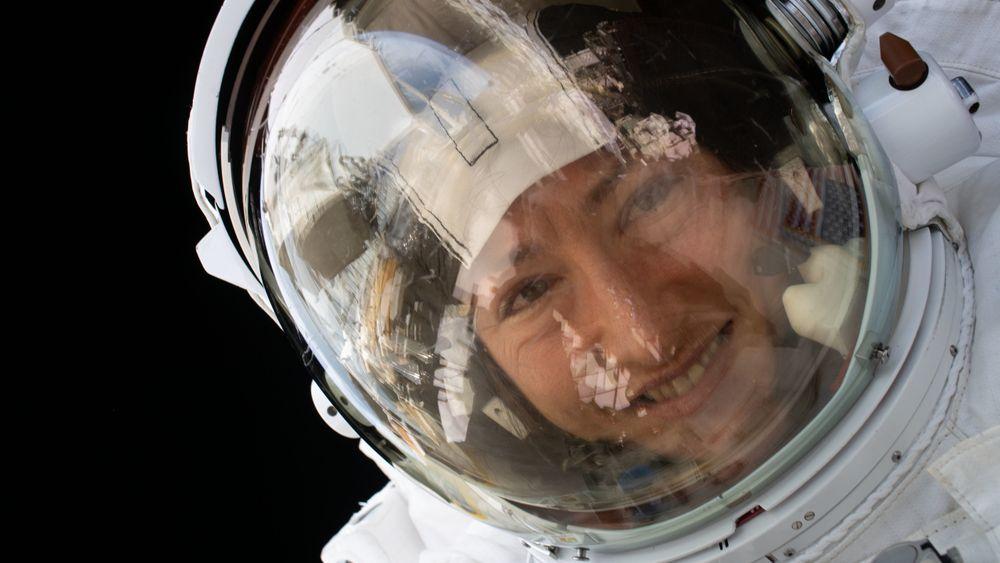 Christina Koch er tilbake på jorda etter 328 dager i rommet.