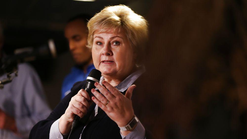 Statsminister Erna Solberg (H) sier at regjeringens klimamål ikke vil skje på bekostning av olje- og gassnæringen.